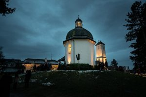 Best Places to Spend Christmas in Europe-Salzburg